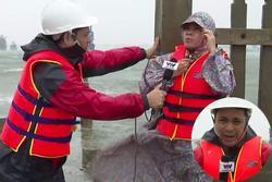 Phóng viên VTV bị gió xô nghiêng ngả khi dẫn bản tin giữa tâm bão số 9