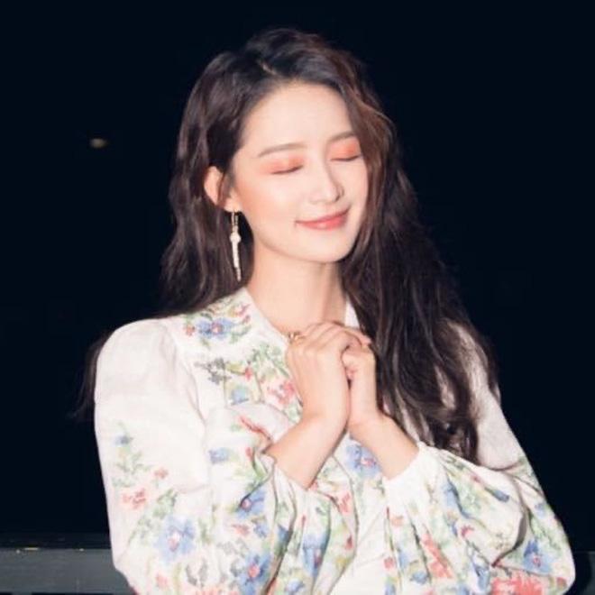 Xôn xao Weibo: Đặng Luân - Lý Thấm thừa nhận hẹn hò bằng hành động tình tứ, lời úp mở và ảnh paparazzi bị đào lại?-2