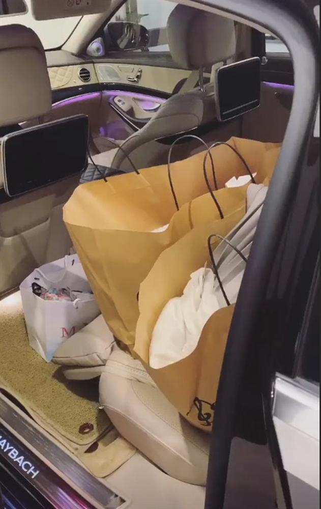 Ngọc Trinh shopping không nhìn giá: Quẹt bill 38 triệu chỉ cần 1 tích tắc-4