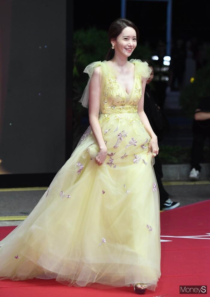 Seo Ye Ji và Yoona bức tử vòng 1 khiến dân tình hoa mày chóng mặt-6