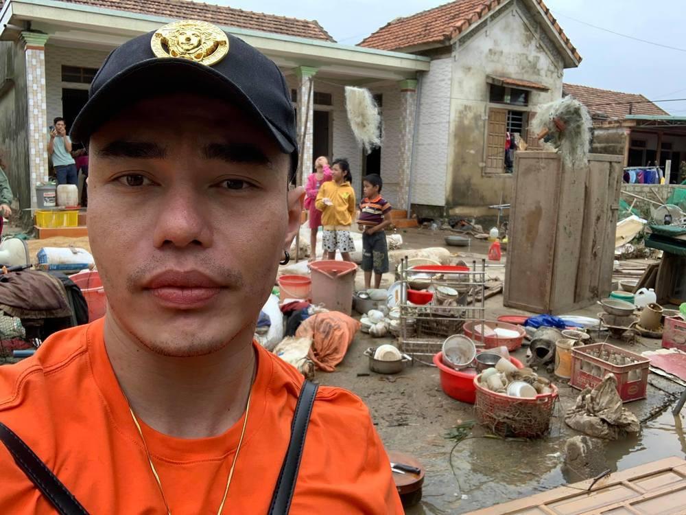 Cứu trợ miền Trung, loạt sao Việt bị chỉ trích với lý do không tưởng-11