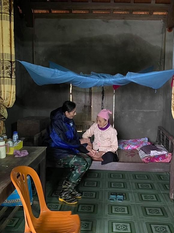 Phản ứng của chồng Việt kiều khi Lê Thúy làm từ thiện tới mức âm tiền nhà-5