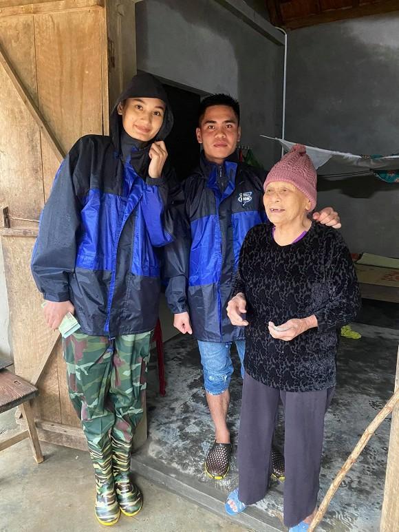 Phản ứng của chồng Việt kiều khi Lê Thúy làm từ thiện tới mức âm tiền nhà-6