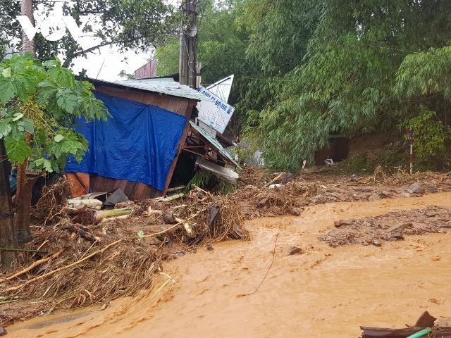 Nóng: 2 vụ sạt lở đất ở Quảng Nam vùi lấp 53 người, 7 thi thể được tìm thấy-1