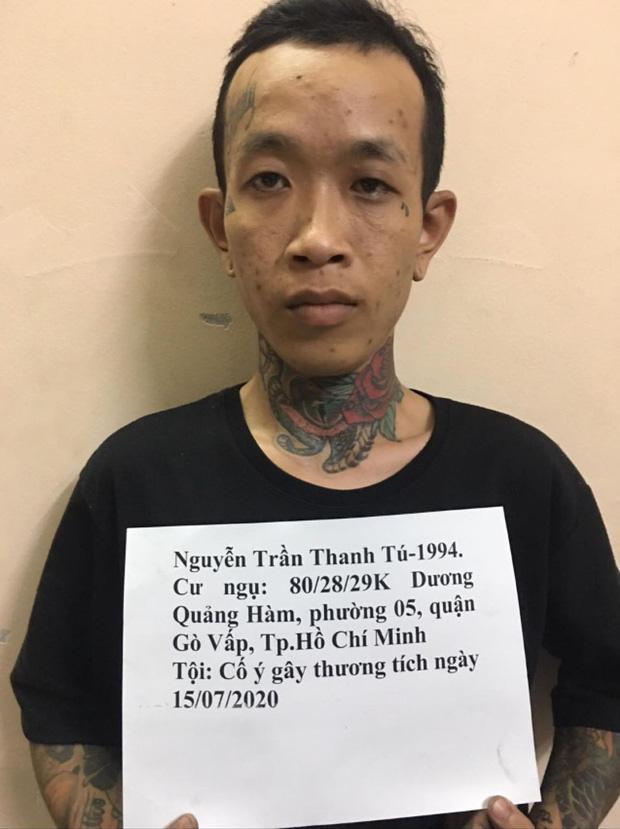 Truy nã gã thợ xăm đánh chém người ở Sài Gòn-1