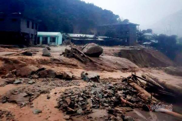 Tiếp tục lở núi ở Quảng Nam, 11 người bị vùi lấp, đã tìm thấy 3 thi thể-1