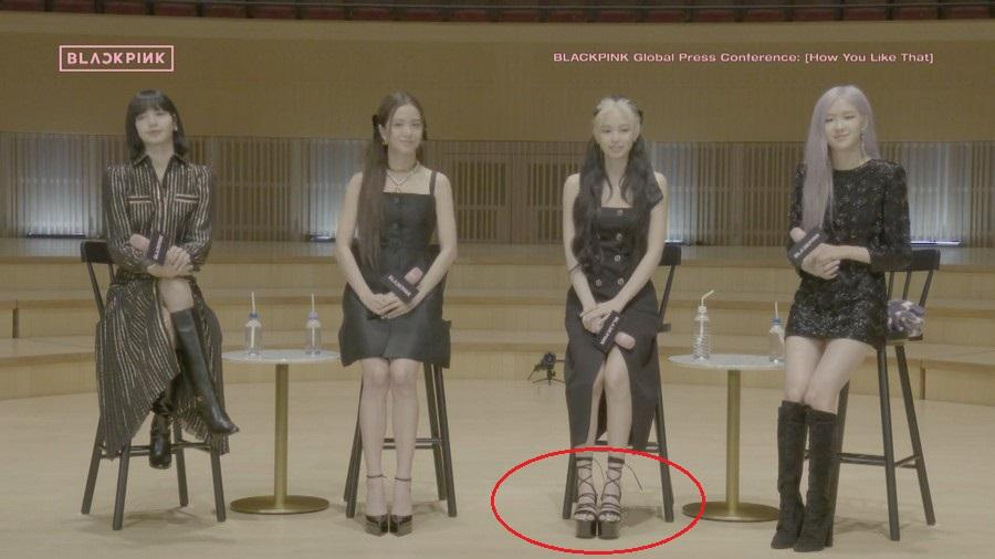 Cùng diện đầm Chanel: Gia Quý phi của Như Ý Truyện sang chảnh, Jennie lép vế vì đôi sandals tòe ngón-7