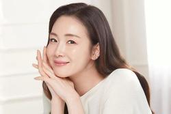 Choi Ji Woo tái xuất sau sinh, nhan sắc tuổi 45 gây choáng ngợp