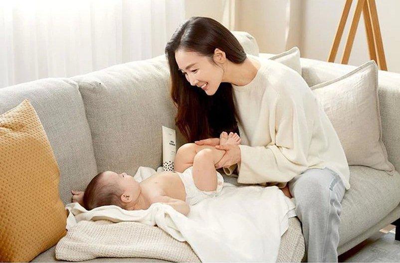 Choi Ji Woo tái xuất sau sinh, nhan sắc tuổi 45 gây choáng ngợp-4