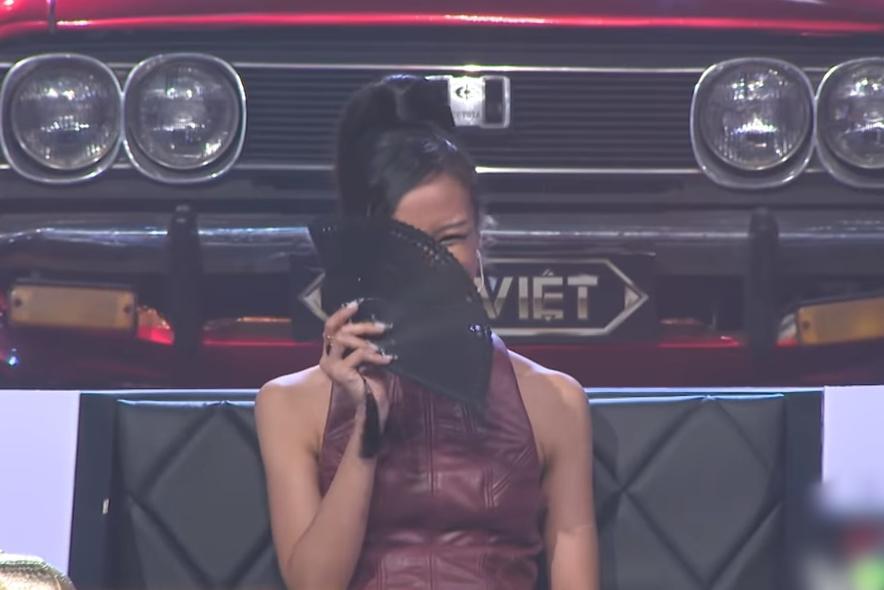 Wowy quỳ lạy Suboi vì cô biến thí sinh từ người thành quỷ-6
