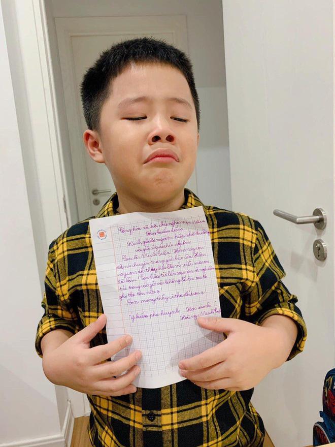 Quý tử khóc mếu vì bị viết bản kiểm điểm, MC Hoàng Linh ứng xử cực lầy-1