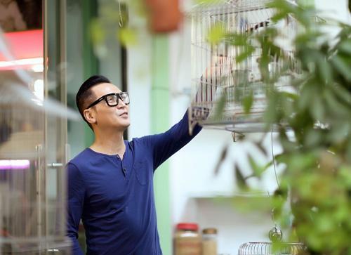 Nguyễn Hưng tuổi 63: Tôi tiêm mặt và sống hạnh phúc bên bà xã-8