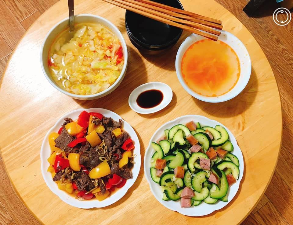 Mâm cơm gia đình ấm cúng, ngon hết nấc đầy món Việt của người vợ 9X tại Nhật Bản-4