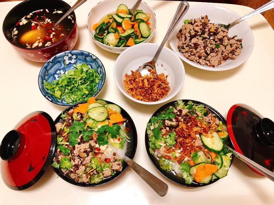 Mâm cơm gia đình ấm cúng, ngon hết nấc đầy món Việt của người vợ 9X tại Nhật Bản-10