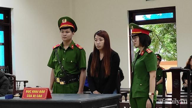 Xét xử vụ bắt cóc bé trai 2 tuổi ở Bắc Ninh: Mẹ mìn khóc nức nở khi bị tuyên án 5 năm tù-3