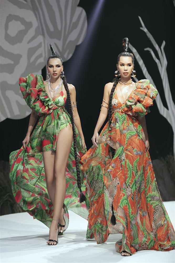 Hội ngộ sàn catwalk: Hà Anh khoe vòng 3 sexy tột độ, Lan Khuê hóa nữ thần-9