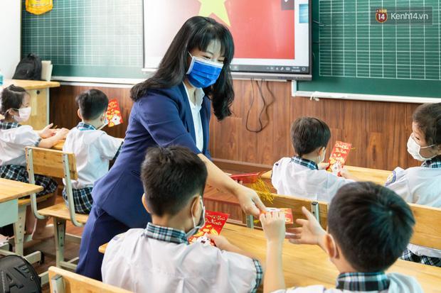 Hỏi Tiếng Việt và Toán, môn nào quan trọng hơn? Con trai có câu trả lời khiến bố xin hàng vì quá bá đạo-2