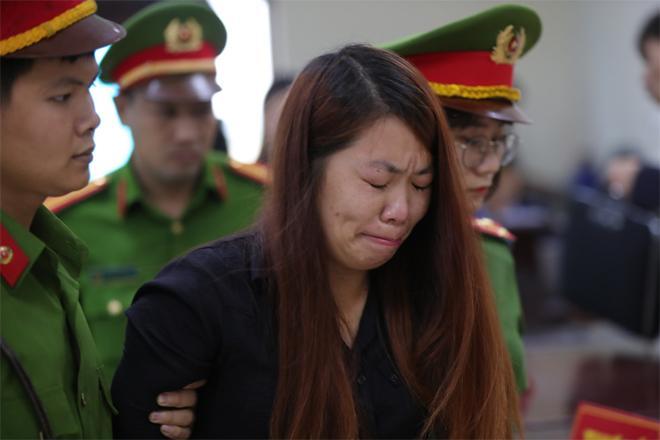 Xét xử vụ bắt cóc bé trai 2 tuổi ở Bắc Ninh: Mẹ mìn khóc nức nở khi bị tuyên án 5 năm tù-2