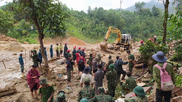 Quảng Nam: Thêm 1 vụ sạt lở đất mới, tìm thấy 3 thi thể bị vùi lấp ở Trà Leng-1