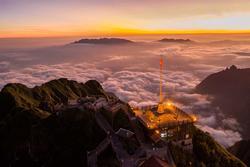 'Săn mây' tuyệt đẹp trên đỉnh Fansipan