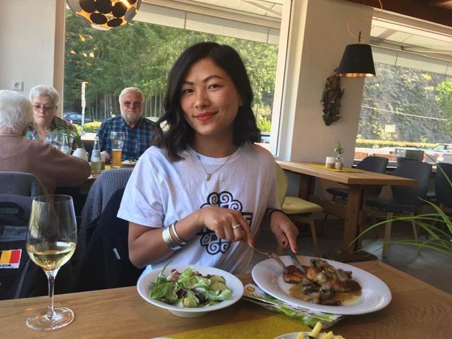 Hé lộ thêm thông tin tình mới người Mỹ của cô bé HMông sau 1 năm ly hôn chồng Bỉ-1