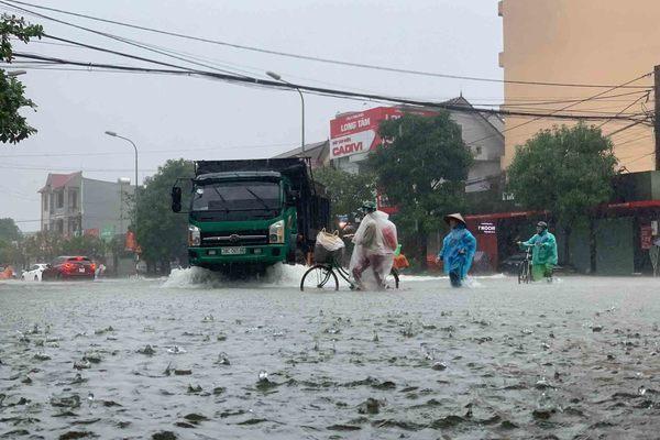 Dự báo thời tiết 31/10: Nghệ An đến Phú Yên có nguy cơ ngập lụt-1