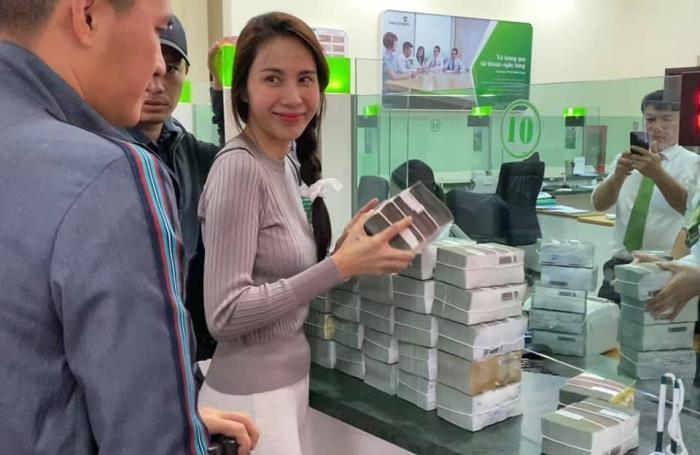 Thủy Tiên chính thức lên tiếng về ồn ào 69 hộ dân bị thu lại tiền, khẳng định sẽ không có tiêu cực xảy ra-5