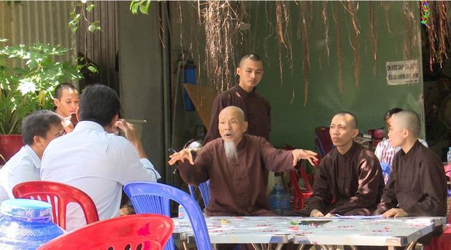 Đài VTV chỉ ra thủ đoạn lừa đảo của nhóm người giả dạng sư thầy ở Tịnh thất Bồng Lai-2