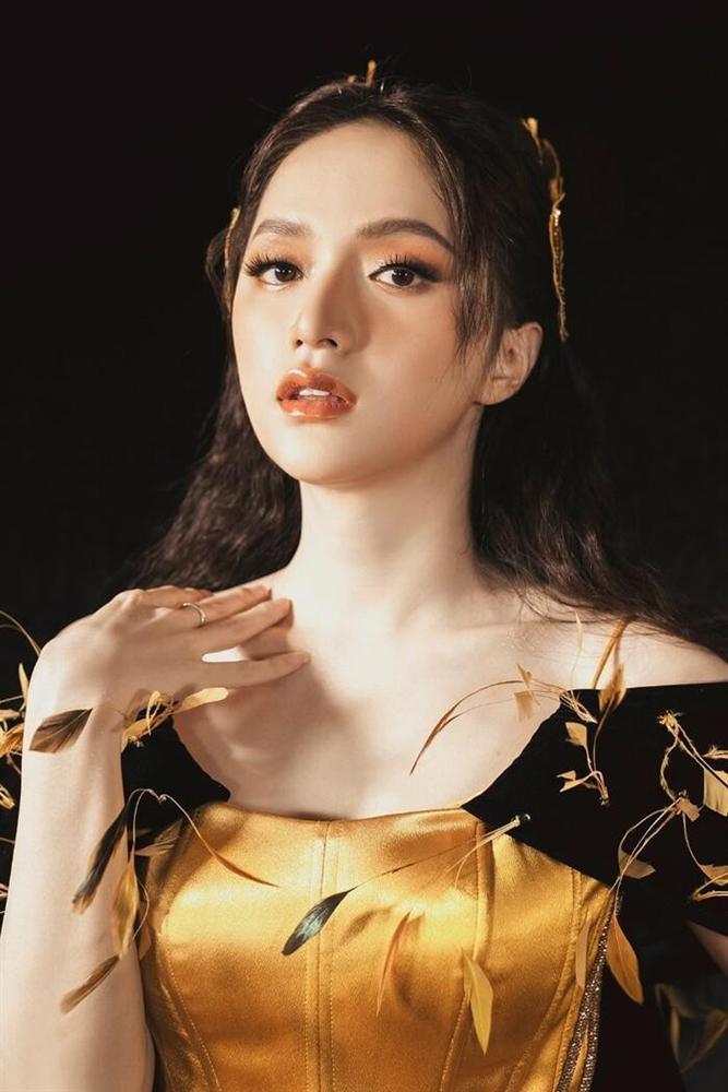 ĐỈNH ĐIỂM: Cộng đồng anti tẩy chay Hương Giang khỏi cuộc thi Hoa hậu Việt Nam-9