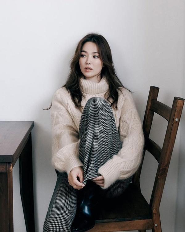 Netizen phát hiện bí mật đặc biệt của Song Hye Kyo: Thông điệp gửi tới Song Joong Ki hay chỉ là sở thích cá nhân?-5