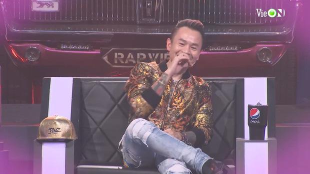 Yuno Bigboi dùng câu thả thính Gu của anh là Châu á, Karik lập tức gọi Châu Bùi-4