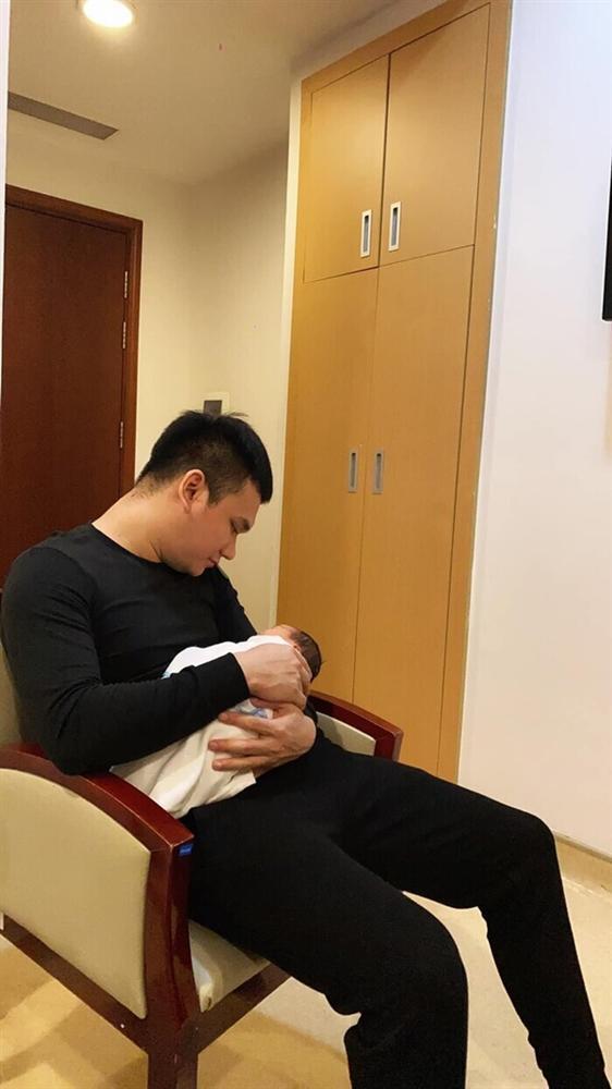 Vợ Khắc Việt giảm cân thần tốc, body nuột nà đến khó tin sau 1 tuần sinh con-2