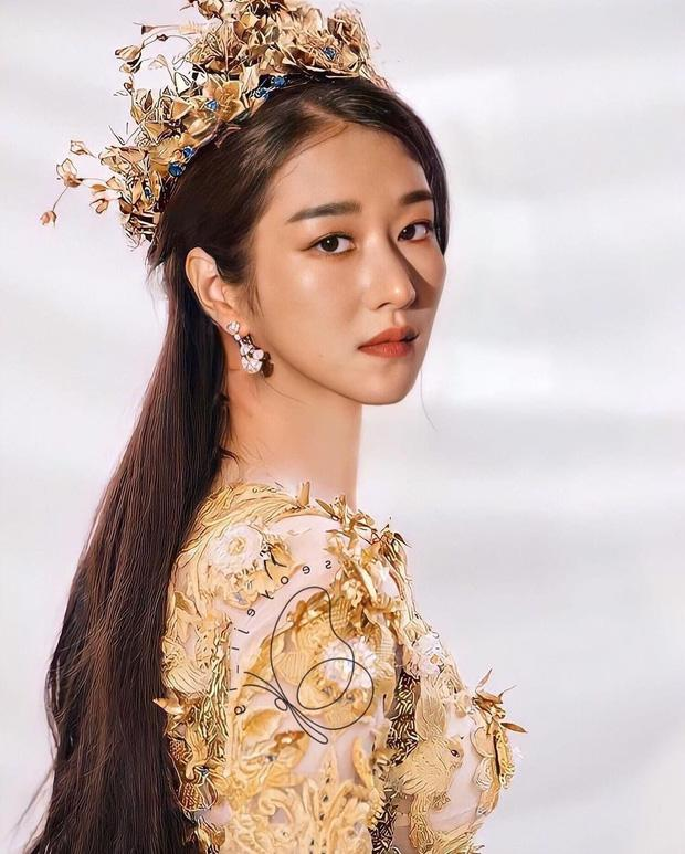 Điên nữ Seo Ye Ji hoá Nữ thần Kim Ưng khiến Địch Lệ Nhiệt Ba cũng phải dè chừng-1