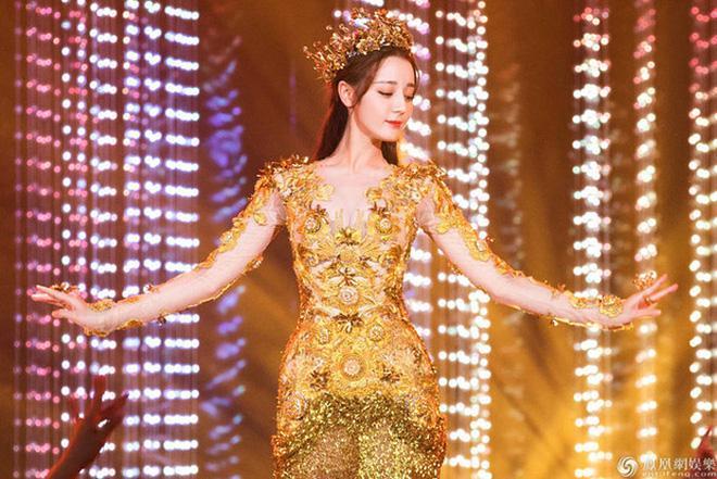 Điên nữ Seo Ye Ji hoá Nữ thần Kim Ưng khiến Địch Lệ Nhiệt Ba cũng phải dè chừng-2