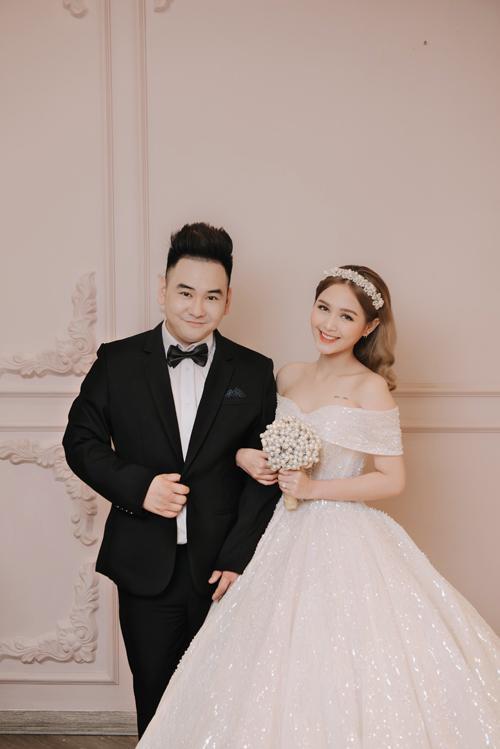 Vợ sắp cưới kém 13 tuổi của streamer Xemesis: Visual đỉnh nhưng body còn nuột hơn-3