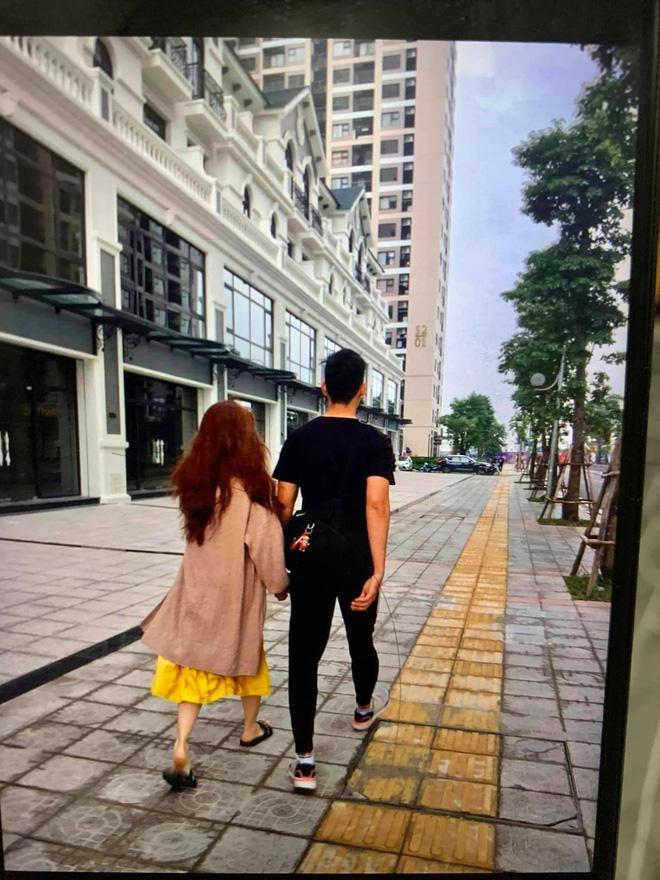 Ngồi im bạn gái Đặng Văn Lâm cũng bất ngờ bị lôi vào ồn ào Huỳnh Anh làm Tuesday-4