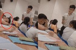 Phát hiện học trò ngủ gật trong giờ, thầy giáo có cách xử lý khiến cả lớp 'bò lăn' ra cười