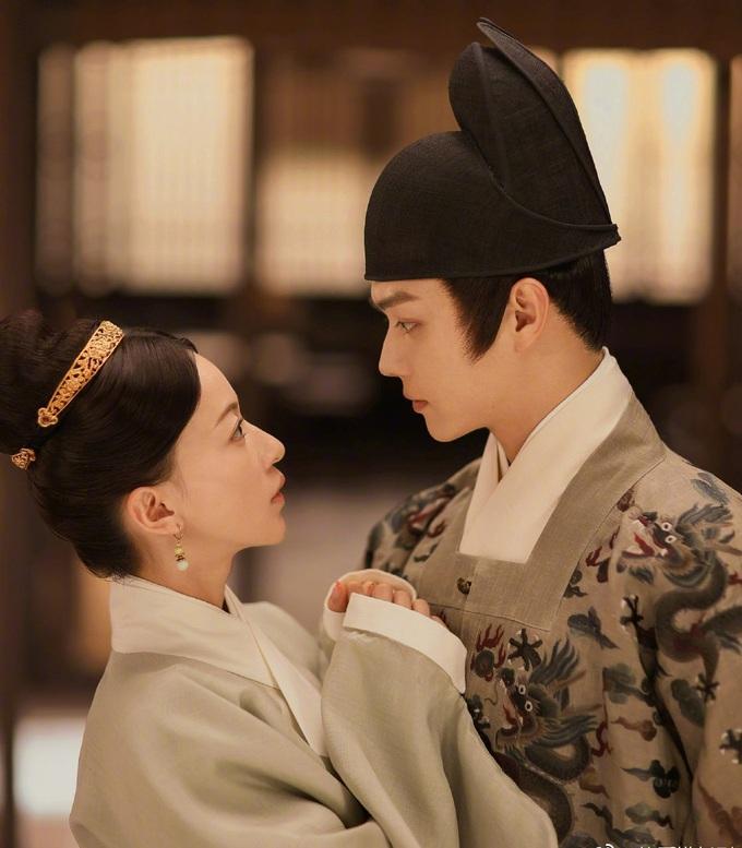 Tạo hình của Hứa Khải bị chê bắt chước phim Hàn, Vu Chính tuyên chiến với netizen-5