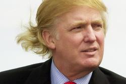 Tổng thống Donald Trump từng chi 60.000 USD cấy tóc bạch kim