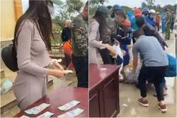 Thủy Tiên ngày thứ 10 viện trợ miền Trung: Đã có người ngất trong lúc xếp hàng nhận quà