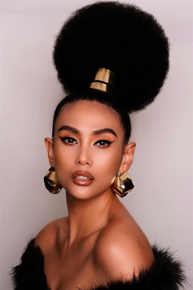 Những kiểu tóc chẳng biết bắt đầu và kết thúc ở đâu của sao Việt-6