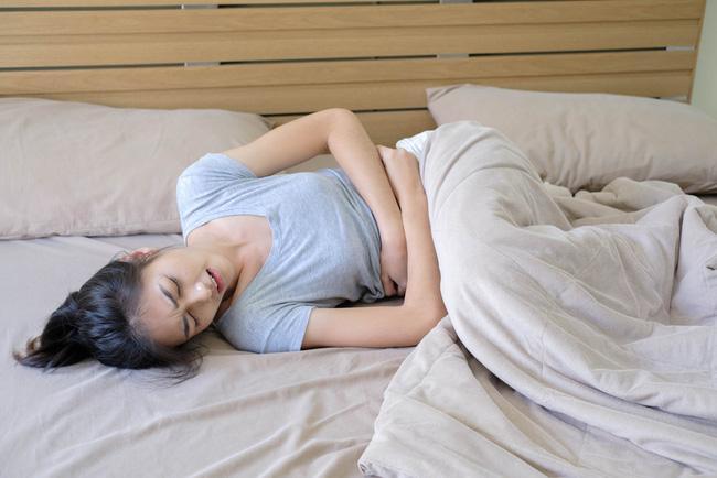 3 loại nước ép giúp phái đẹp dễ dàng vượt qua ngày đèn đỏ: Đá bay các triệu chứng đau - chướng bụng-1