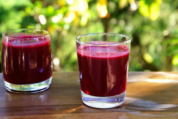 3 loại nước ép giúp phái đẹp dễ dàng vượt qua ngày đèn đỏ: Đá bay các triệu chứng đau - chướng bụng-4