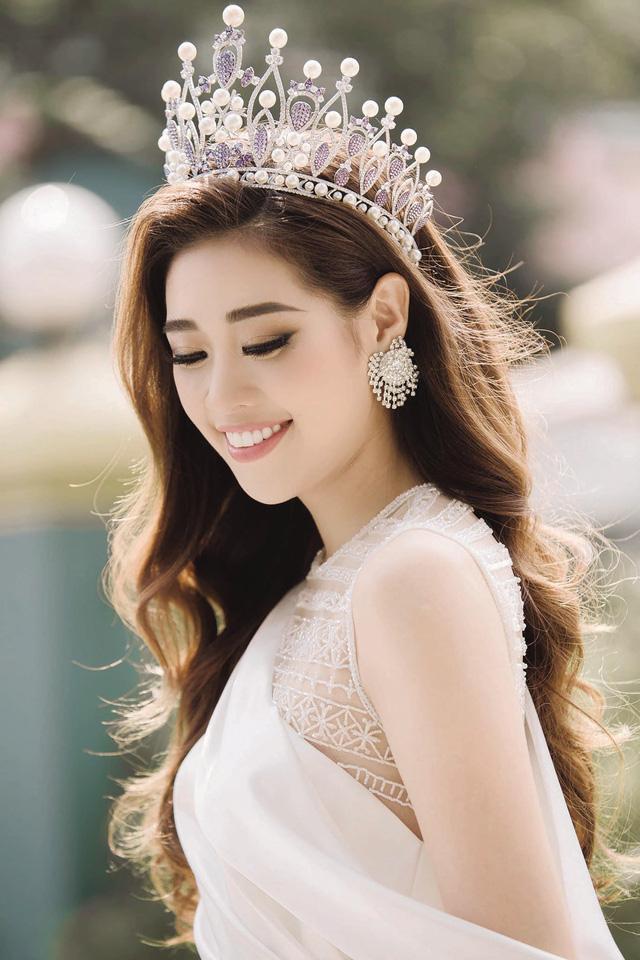 Lỡ miệng bênh Hương Giang, hoa hậu Khánh Vân bị cảnh cáo hội đồng-7