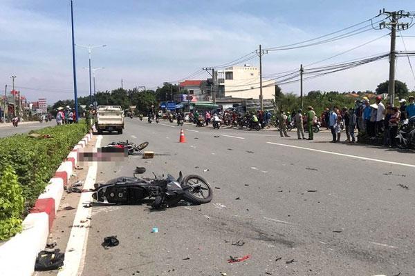 Vượt đèn đỏ, thiếu niên gây tai nạn khiến 3 người tử vong-1