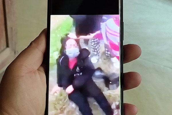 Nữ sinh lớp 7 ở Quảng Ninh bị nhóm bạn cùng trường đánh hội đồng rồi quay clip-1