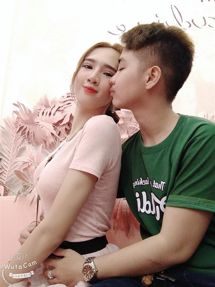Body nóng bỏng cô vợ chuyển giới của người đàn ông Việt Nam đầu tiên sinh con-8