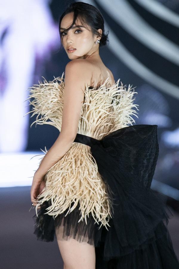 Tiểu Vy - Kỳ Duyên so tài catwalk, top 35 thí sinh hoa hậu tỏa sáng đêm Người Đẹp Thời Trang-2