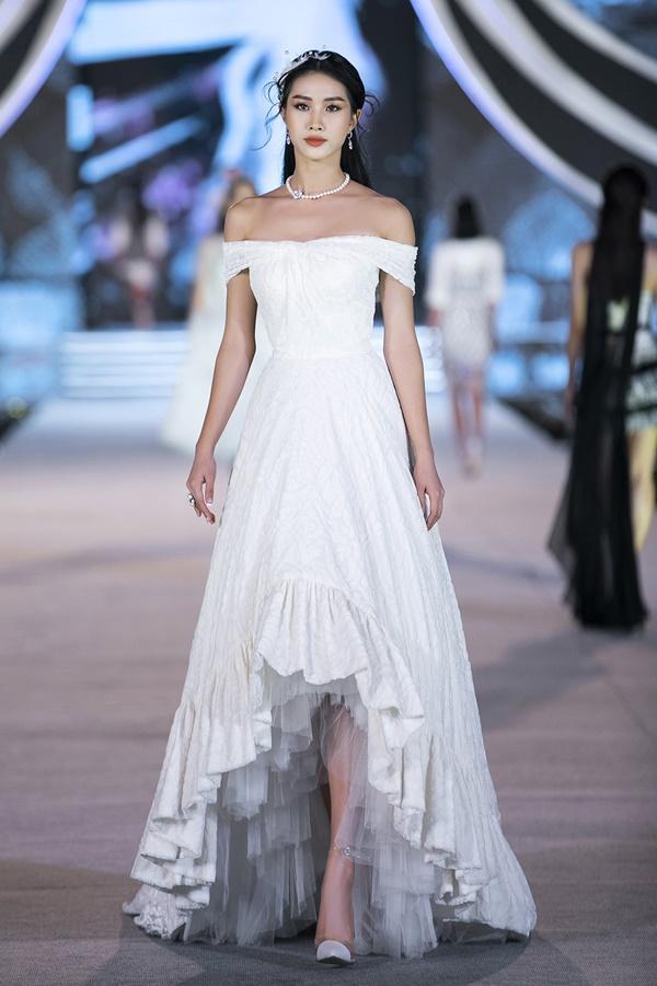 Tiểu Vy - Kỳ Duyên so tài catwalk, top 35 thí sinh hoa hậu tỏa sáng đêm Người Đẹp Thời Trang-29