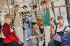 BTS rủ nhau hóa thân 'mỹ nam xe bus', fan hú hét 'các anh đi chuyến nào?'
